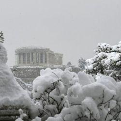 La nieve no es habitual ni en la capital helena ni en las ciudades vecinas.