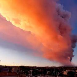 La nueva erupción del Etna, registrada en la tarde de ayer, tuvo en vilo a todos los habitantes de Catania y sus alrededores.
