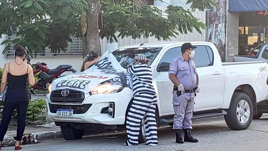 La mujer participaba junto a un grupo de manifestantes que pedían por la liberación del bloqueo que se extiende por más de 170 días en Clorinda.