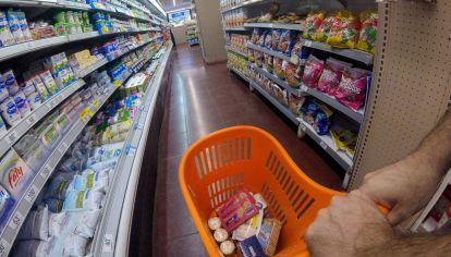 La venta en los supermercados subieron a precios corrientes, pero cayeron a precios constantes (sin contar la inflación).
