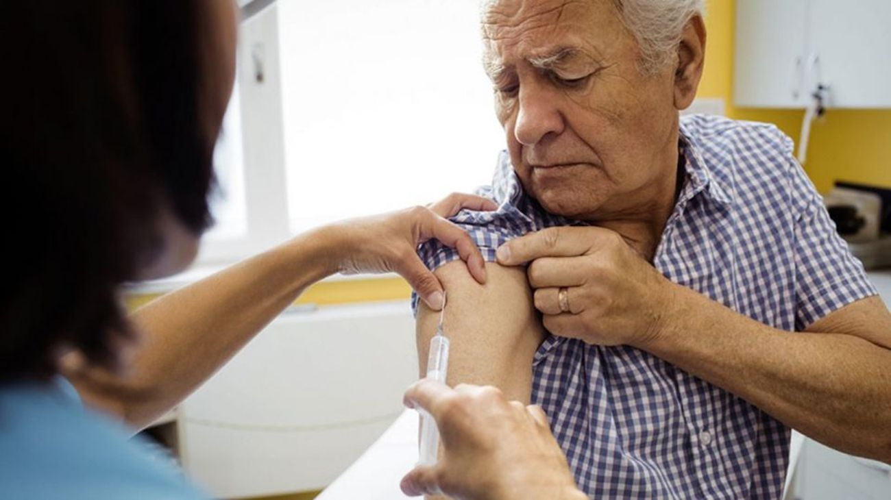 The Province of Buenos Aires has began vaccinating senior citizens.