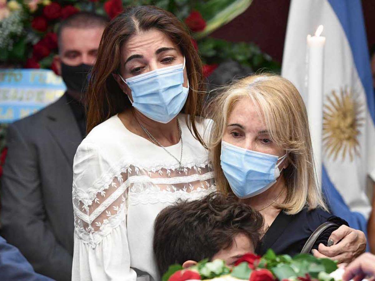 """Conmovedora despedida de Zulemita a Carlos Menem: """"Ahora está con mi hermano"""""""