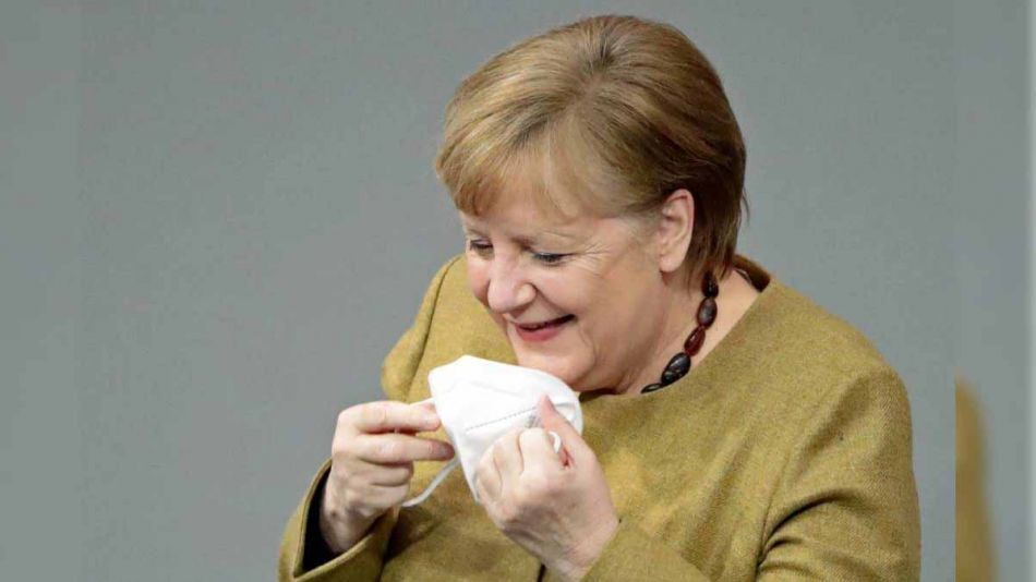 Angela Merkel tapabocas