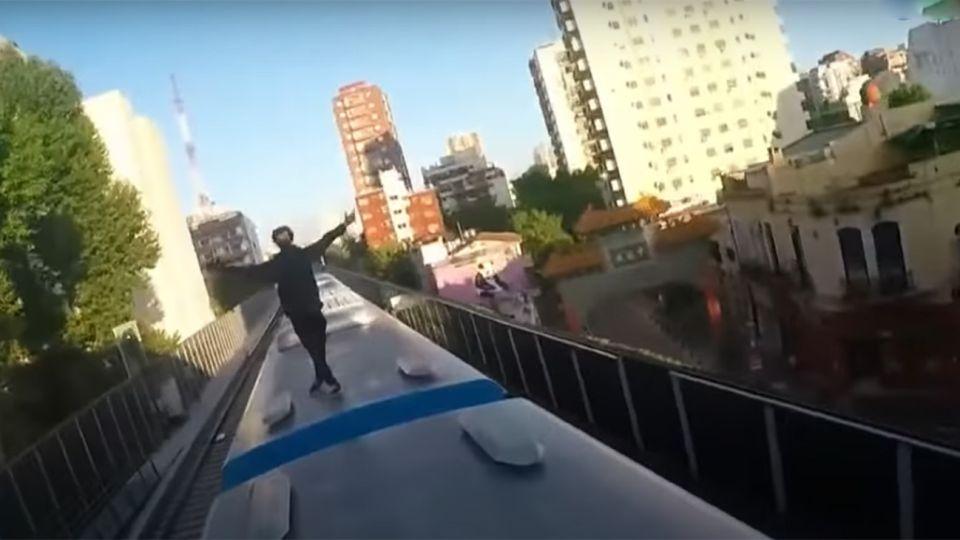 SURFEAN LOS TECHOS DE LOS TRENES