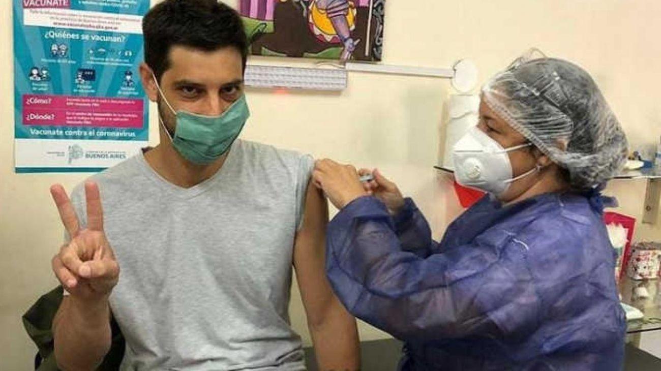 Jóvenes de 18 años recibieron la vacuna Sputnik V contra el coronavirus en Chivilcoy.