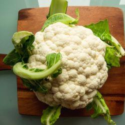 Coliflor, el corazón de una ensalada ideal para este clima.