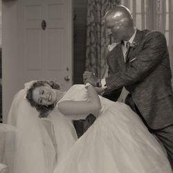 Vestido y traje de recién casados, dos de las piezas favoritas de Mayes Rubeo.