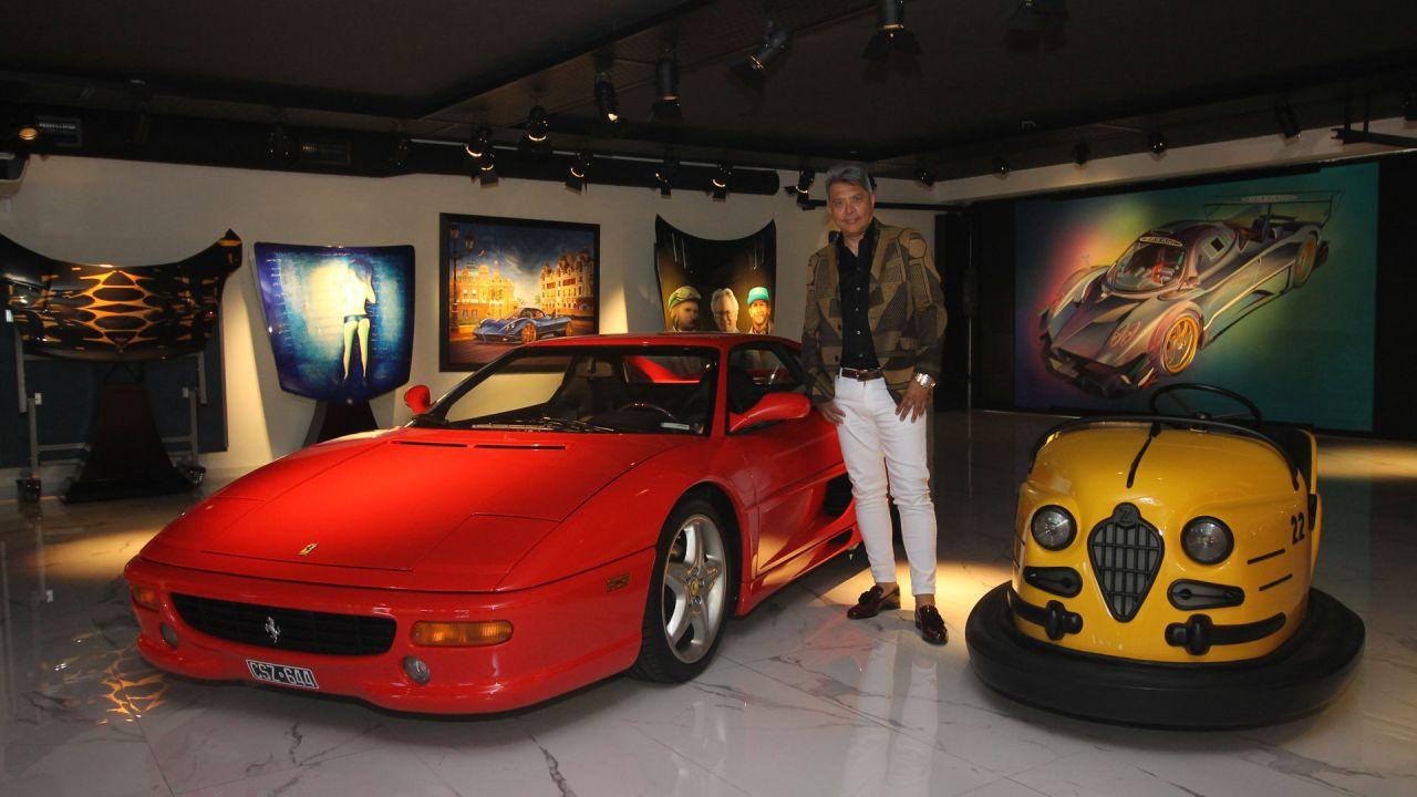 Tesoros. Tiene Ferraris, Porsches, Mercedes Benz y otras joyas como una campera de Schumacher, un piano que tocó Charly García y una valija de la mamá de Ringo Starr.  | Foto:Gentileza Colección Gómez