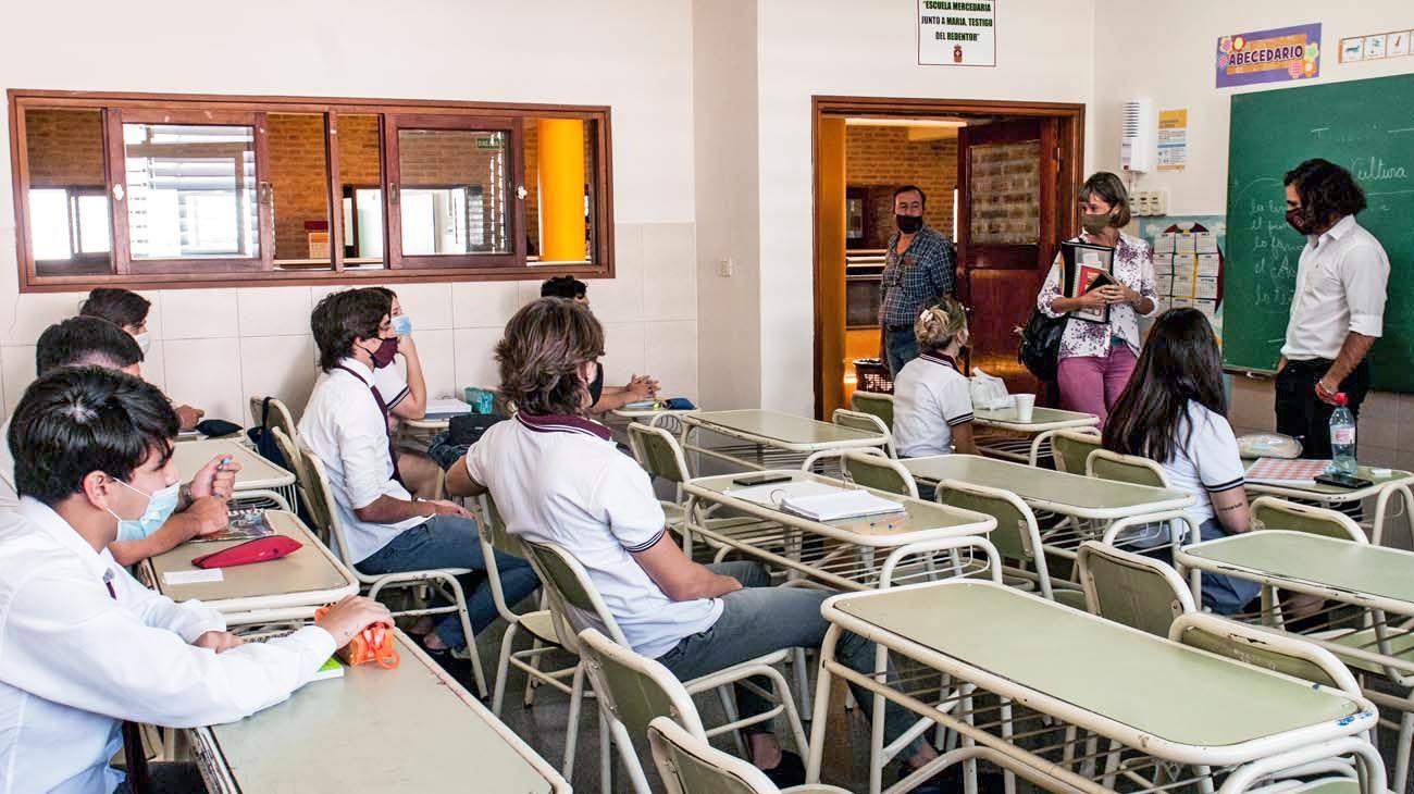 De regreso. En distintas provincias las escuelas repiten las medidas sanitarias básicas.