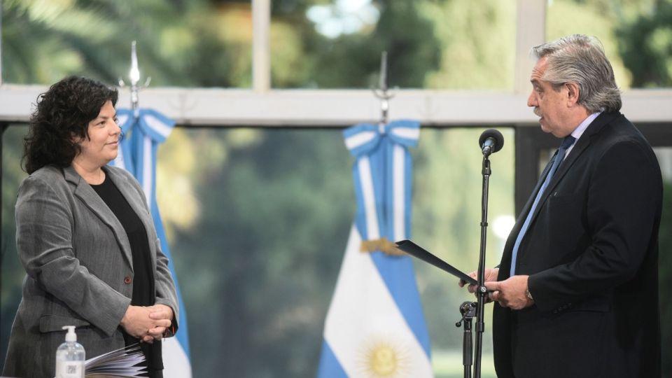 Alberto Fernández le tomó juramento a Carla Vizzotti como nueva ministra de Salud.