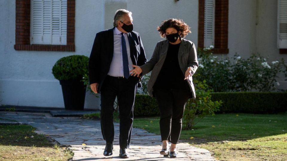 Alberto Fernández con su ministra de Salud, Carla Vizzotti
