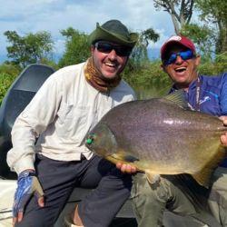 En esta oportunidad, el guía Javier Enrique junto a su hijo Agustín y un grupo de pescadores hicieron una pesca ejemplar.