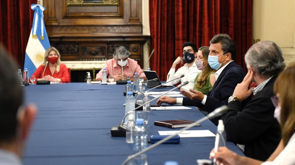 Sergio Massa con diputados sindicales