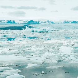 Más de 400 de estos lagos subglaciales se han descubierto debajo de la capa de hielo de la Antártida.