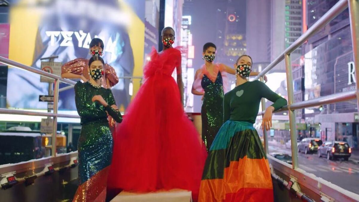 Así de original fue presentada la nueva colección de Carolina Herrera
