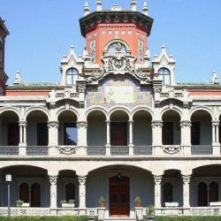 Palacio de Larinfa Zaragoza.