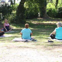 Yoga al aire libre en Roque Pérez.