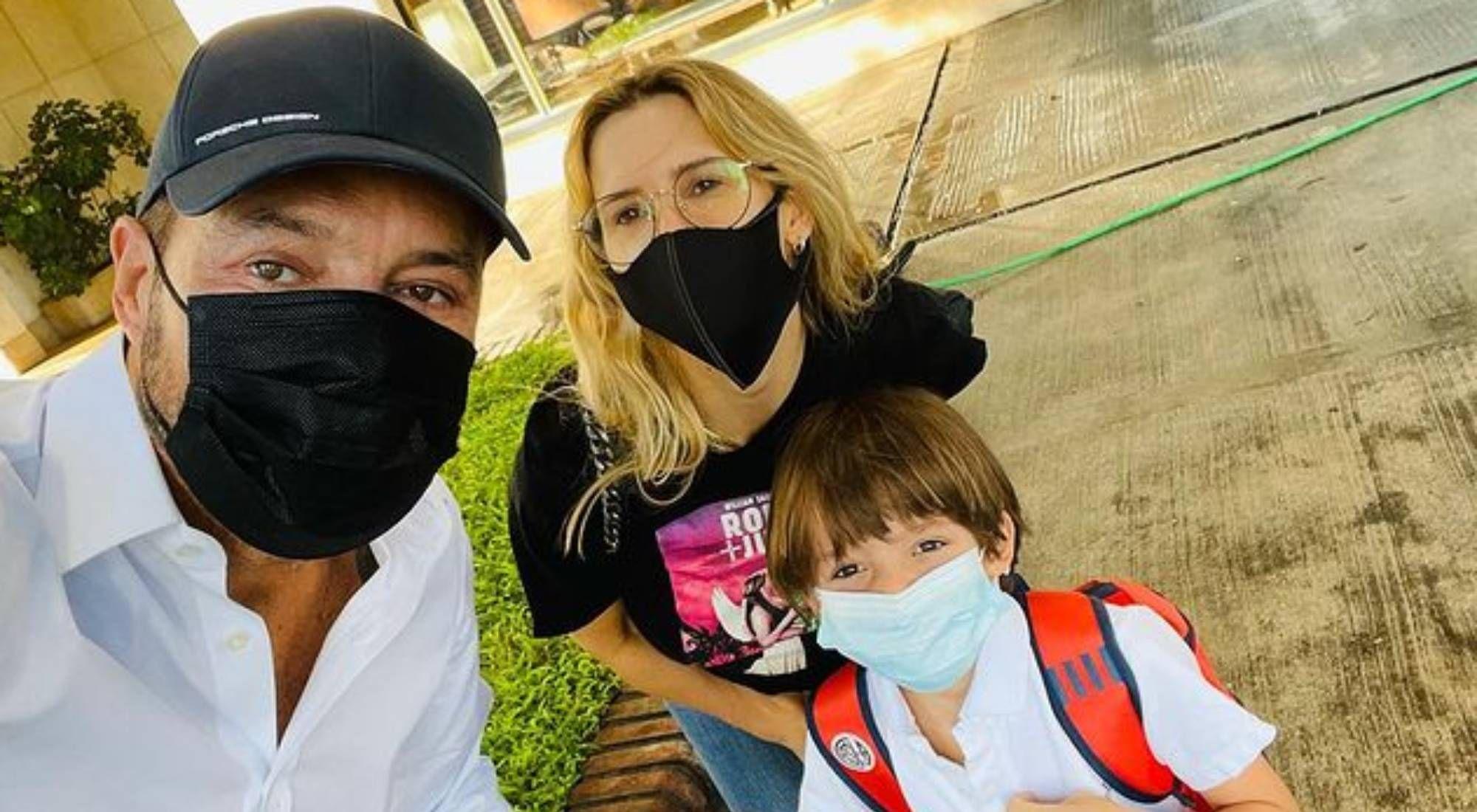 La emoción de Marcelo Tinelli y Guillermina Valdés al llevar a su hijo al colegio