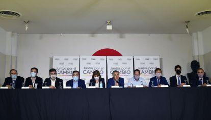 """Juntos por el Cambio dio una conferencia por el """"Vacunatorio VIP""""."""