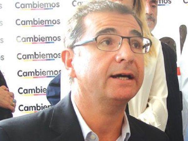 """Vacunación vip en La Rioja: """"Se vacunaron a familiares de funcionarios, hijos, novias, y amantes"""""""