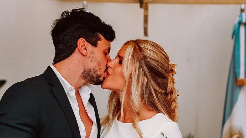Delfi Ferrari y Juan Manuel Bressan en su boda civil