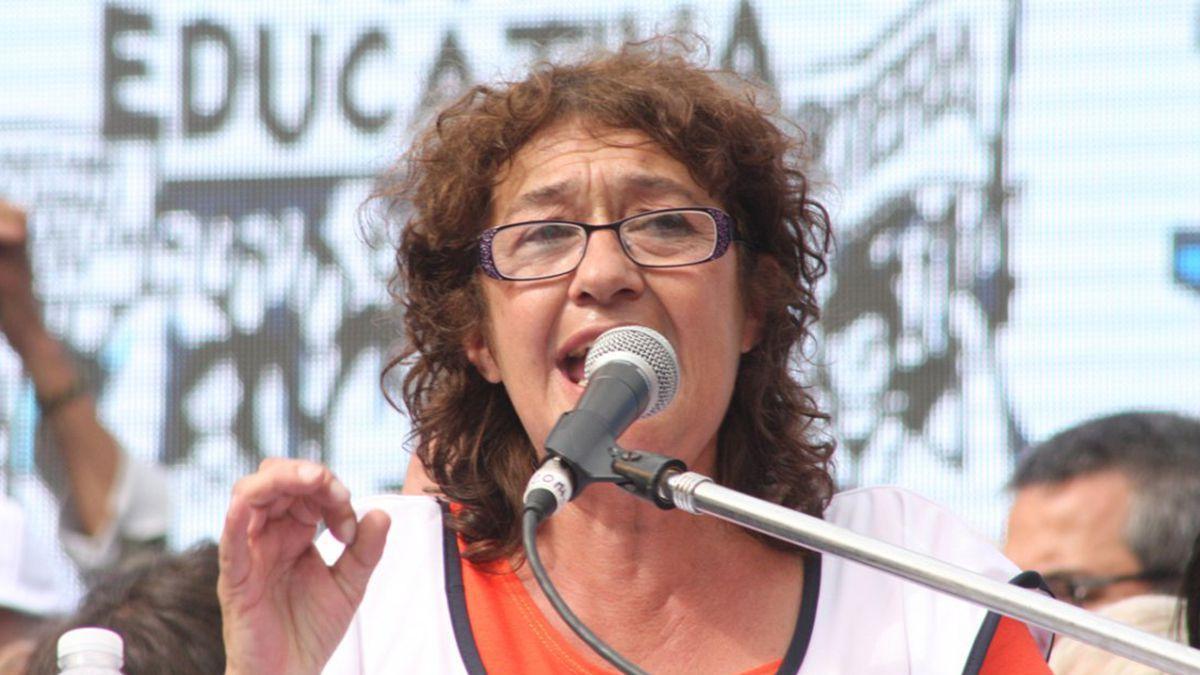 La secretaria general Confederación de Trabajadores de la Educación de la República Argentina reclamó cuidar las vacunas para los docentes.