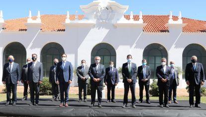 Alberto Fernández se reunió con los gobernadores del norte.