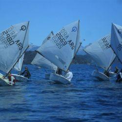 Se trata de la regata más importante de Bariloche y el Lago Nahuel Huapi.