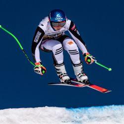 Petra Vlhova, de Eslovaquia, acelera durante el entrenamiento de descenso de la Copa del Mundo Femenina de Esquí Alpino FIS, en Val di Fassa, al norte de los Alpes de Italia. | Foto:AFP