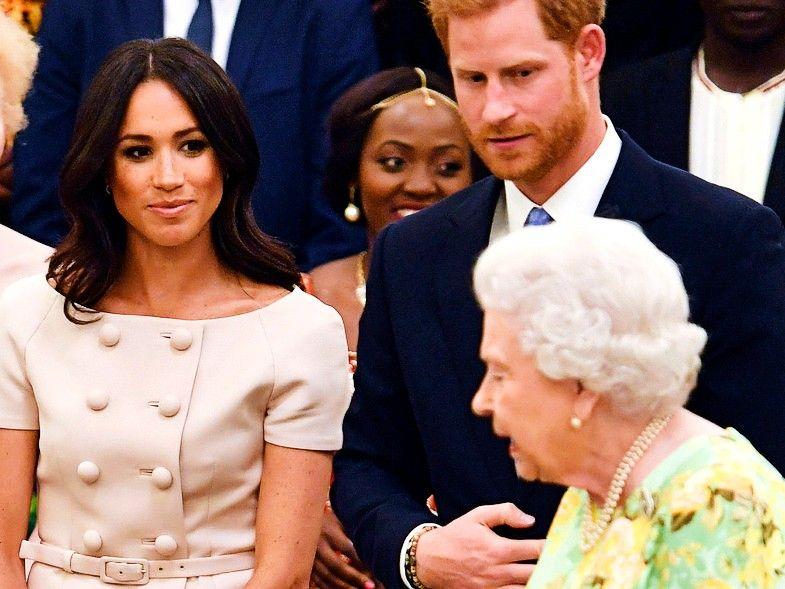 El príncipe Harry de Inglaterra desafió a la reina Isabel II