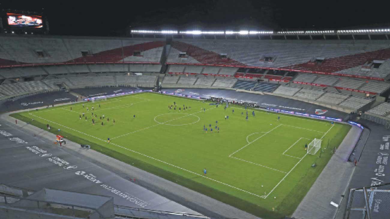 Monumental. Impecable, pero vacío: así luce el estadio de River. El regreso de los hinchas está en marcha, pero con reparos.