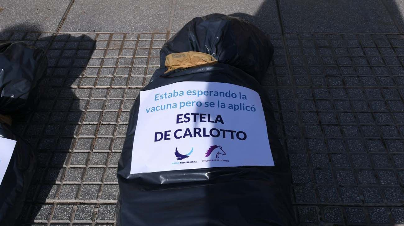 "Bolsas mortuorias: Estela de Carlotto dijo que ve a Patricia Bullrich  ""convertida en un monstruo"" | Perfil"