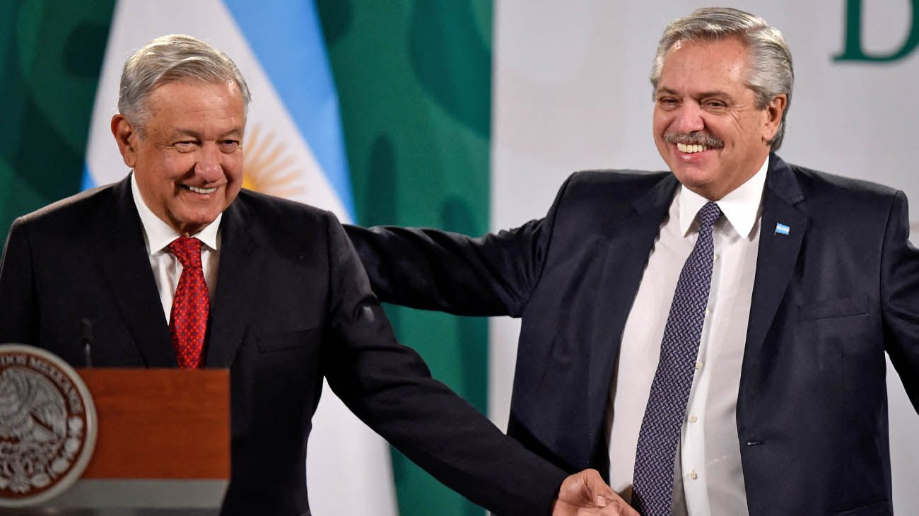 From left to right: Lopez Obrador and Fernandez in Mexico.