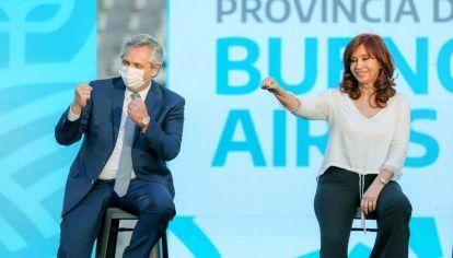 Políticos. Alberto Fernández y Cristina Kirchner, encabezan y dirigen grupos.