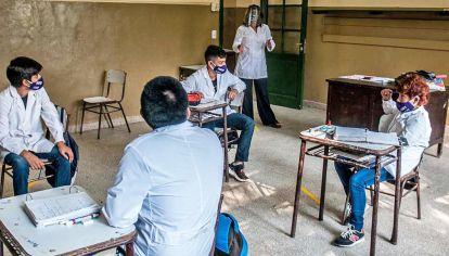 Los docentes recibirán beneficios de parte de la empresa YPF.