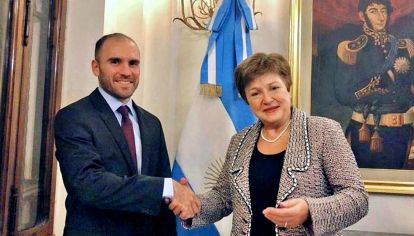 Guzmán y Georgieva. El ministro de Economía viajará a mediados de marzo a Washington.