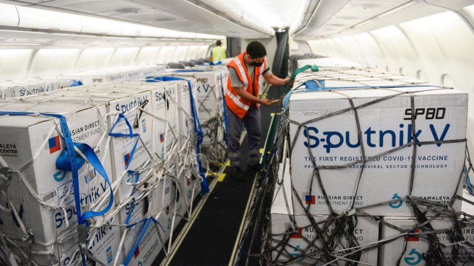 El nuevo cargamento con dosis de Sputnik V llegó este lunes 1 de marzo a Argentina.