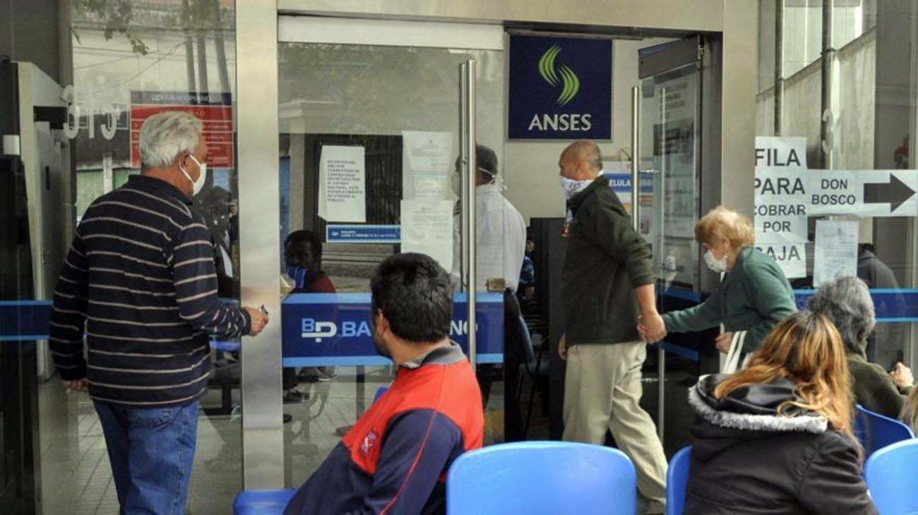 Oficina de Afip o Anses.