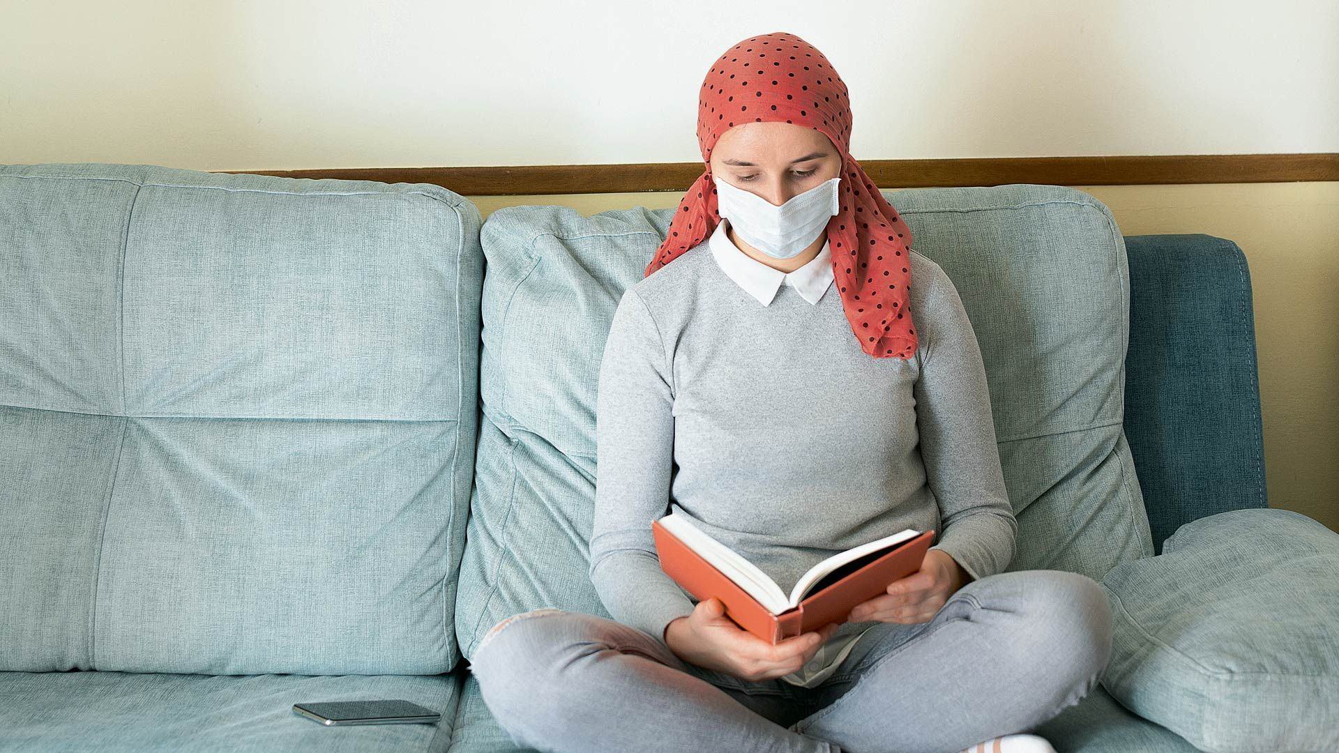 Covid-19: personas con cáncer y embarazadas pueden ser vacunadas