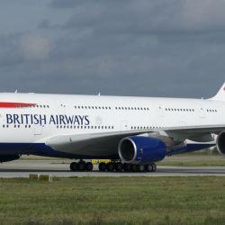 Los pasajeros que deban realizar la cuarentena serán trasladados desde el aeropuerto a los alojamientos establecidos por el gobierno británico.