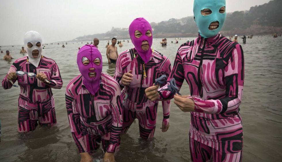 ¿Qué es el facekini y por qué es furor en Asia?