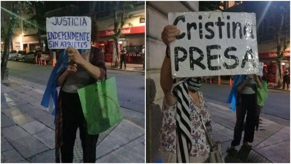Protestas frente a la casa de la vicepresidenta Cristina Kirchner.
