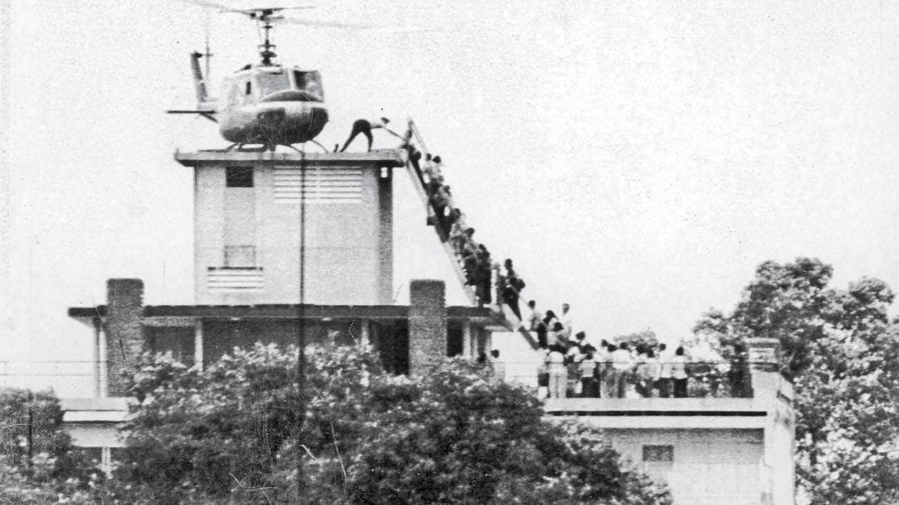 Terraza. La  salida de los últimos estadounidenses de Vietnam, un país que dejaría de existir.