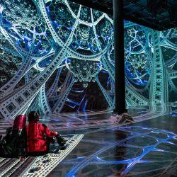 ARTECHOUSE inicia su temporada de exhibición 2021 con una colaboración con el artista fractal JuliusHorsthuis en la ciudad de Nueva York. La instalación audiovisual inmersiva.    Foto:AFP