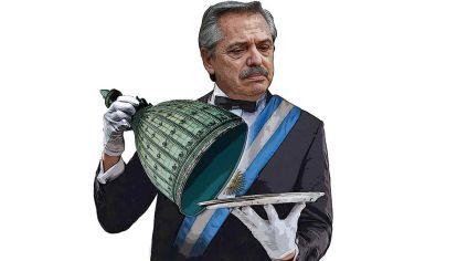 Alberto Fernández preside un gobierno de coalición que dificulta la toma de decisiones.