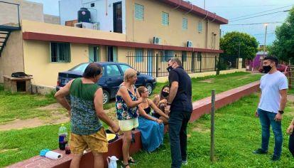 MODO MILITANTE. El exintendente Ramón Mestre por los barrios en los últimos días.