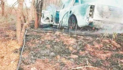 CALCINADA. El 4 de junio de 2020 apareció el cuerpo de Verónica Tottis en el interior de su camioneta Ford Ranger totalmente quemada. La hipótesis del accidente quedó rápidamente descartada.