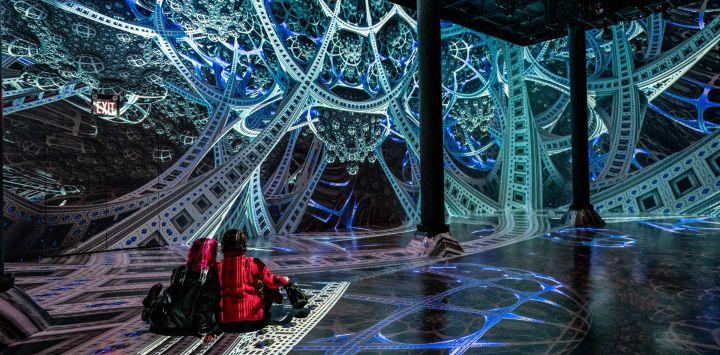 ARTECHOUSE inicia su temporada de exhibición 2021 con una colaboración con el artista fractal JuliusHorsthuis en la ciudad de Nueva York. La instalación audiovisual inmersiva.