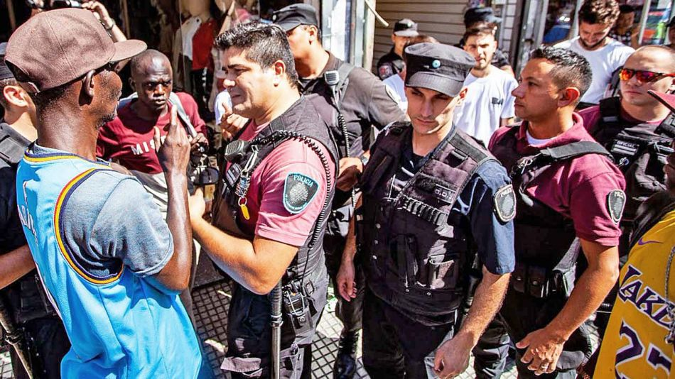 20210306_policia_inmigrantes_extranjeros_twitter_g