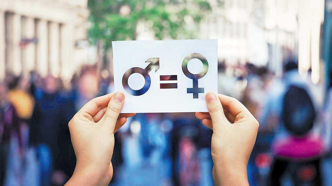 Injusto. Solo dos de cada diez puestos de decisión son ocupados por mujeres.